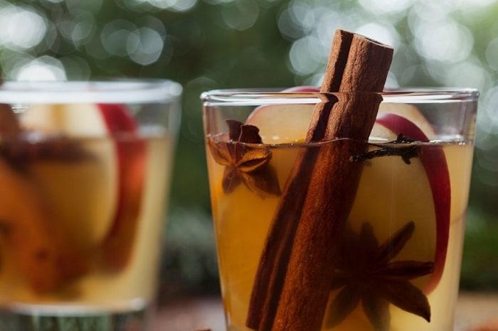 طرز تهیه نوشیدنی داغ سیب عسل
